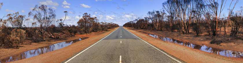Outback Australian road at Albury Wodonga
